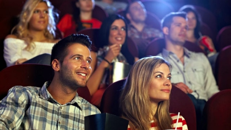 Xem phim rạp được rất nhiều bạn trẻ yêu thích vì mang đến trải nghiệm tuyệt vời